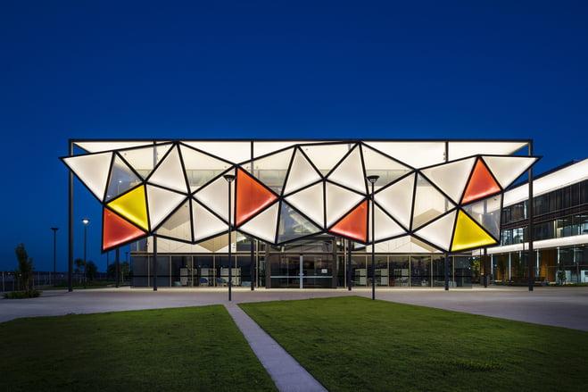 giải pháp mặt đứng bằng tensile facade
