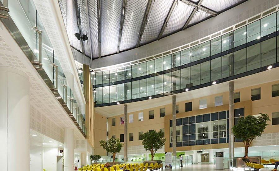 Công nghệ in hoa văn ETFE thông mình tại bệnh viện Barts, Luân Đôn