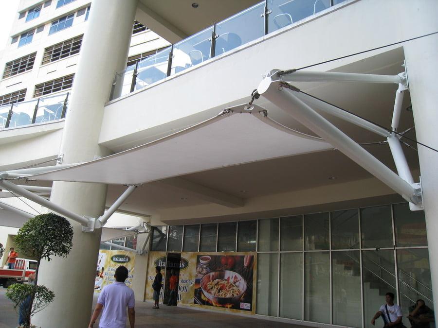 Bạt căng canopy trong thiết kế lối ra vào