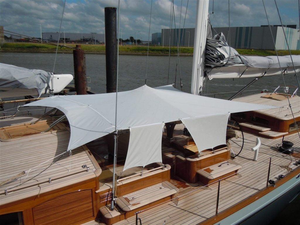 Thiết kế bạt căng du thuyền cho khu vực để hàng hóa