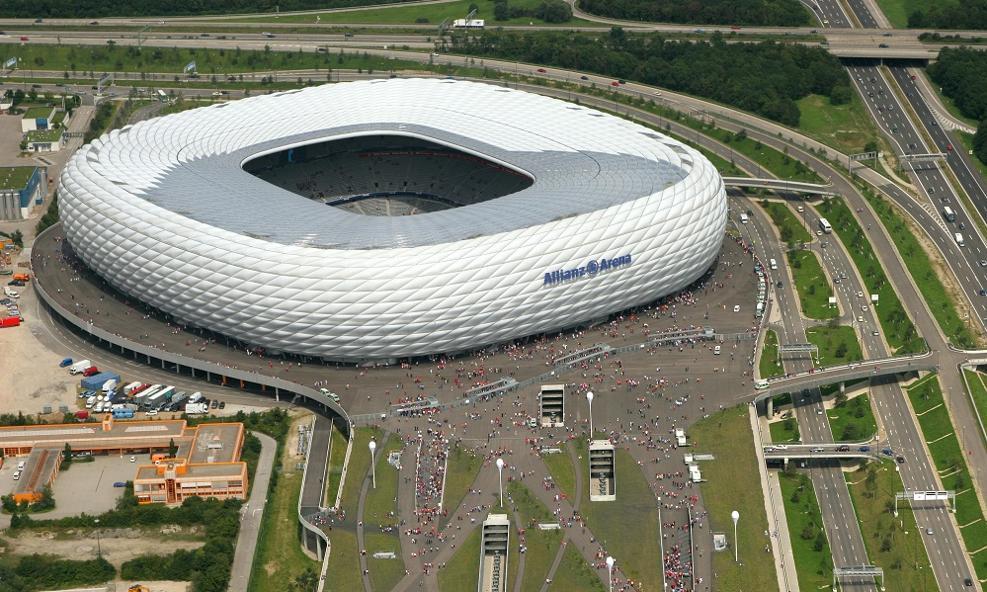 Mái che bạt căng nhà thi đấu sân vận động Allianz Arena © Allianz Arena