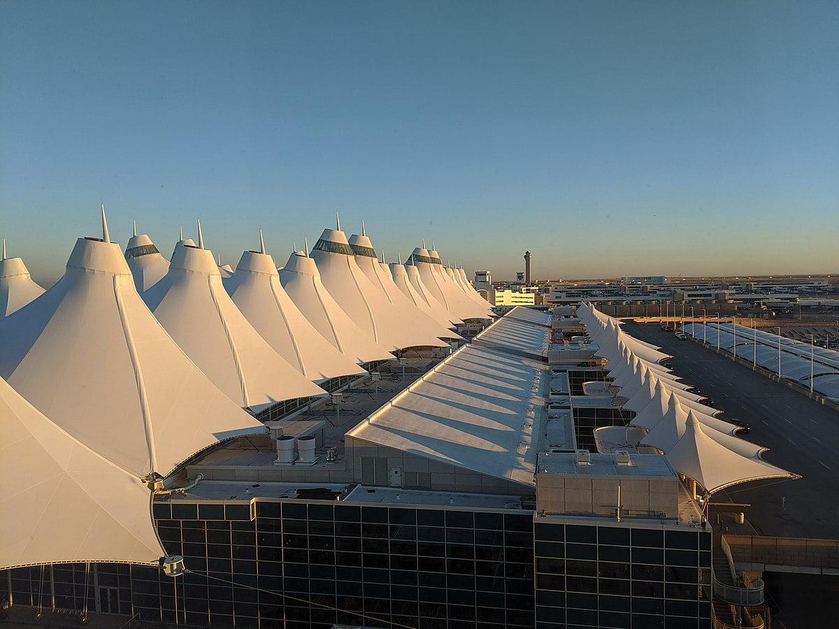 Mái che bạt căng PTFE ứng dụng tại Sân bay quốc tế Denver