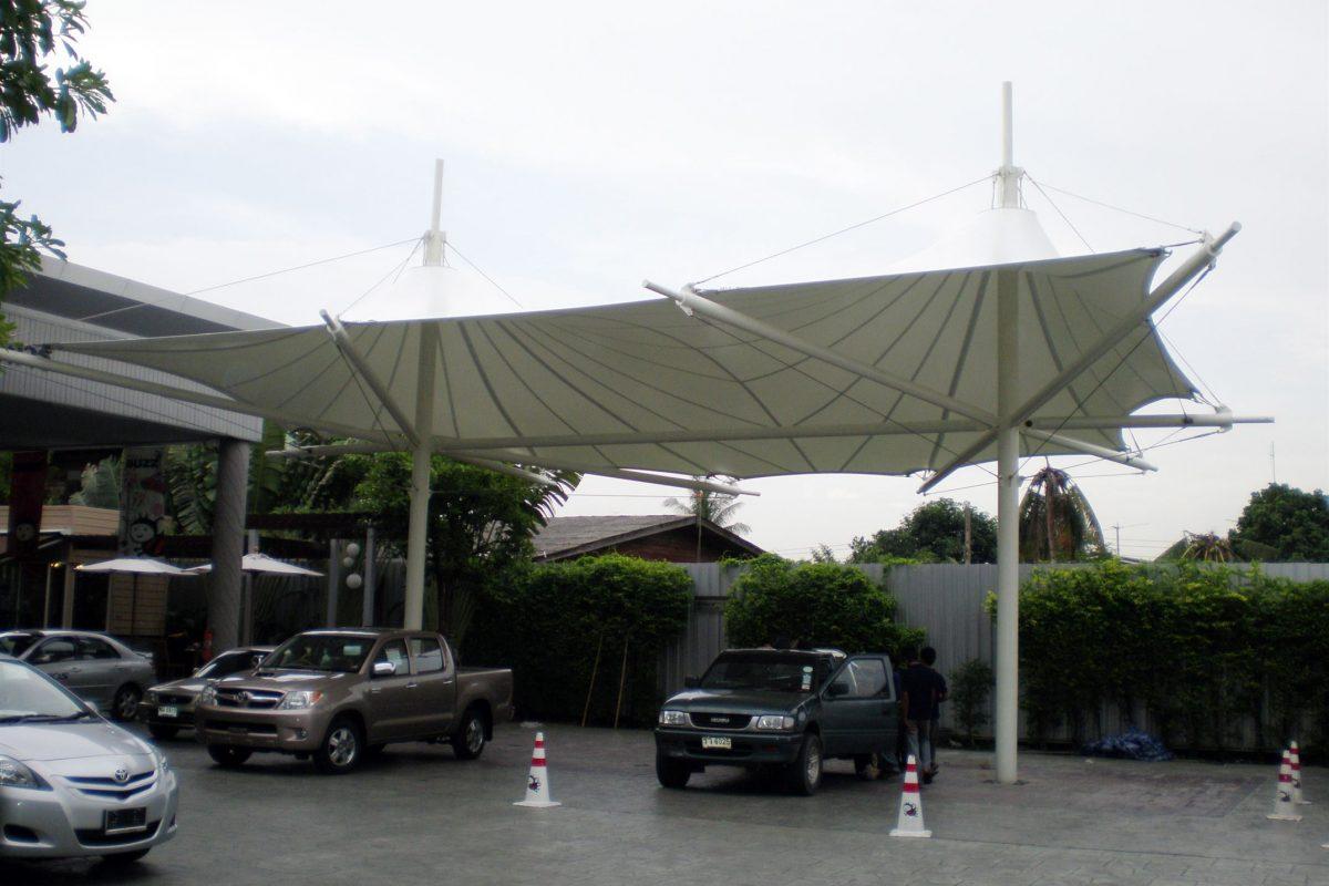 1.Toyota buzz, SeriThai