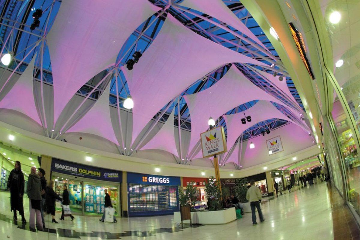 Ứng dụng mái che bạt căng nội thất trong việc chiếu sáng: Trung tâm mua sắm Kingswalk 8